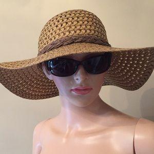 Maurice's Wide brim floppy sun hat in EUC.